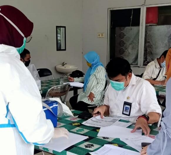 Satu Pejabat Terpapar Covid 19, Ratusan Pegawai Bappeda Ikut Rapid Test Massal