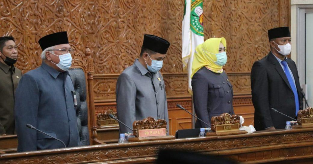 Rapat Paripurna ke 3 DPRD Kab.Kutim Mengumumkan Usulan Pengangkatan Kepala Daerah Terpilih Kepada Mendagri Melalui Provinsi Kaltim