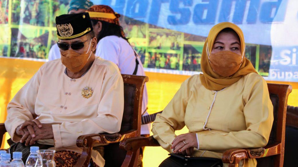 Sultan Kutai Menghadiri Upacara Beluluh Bupati dan Wabup Kutim